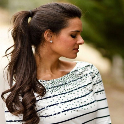 high wavy ponytail